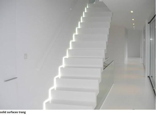 Đá trắng sứ ốp cầu thang