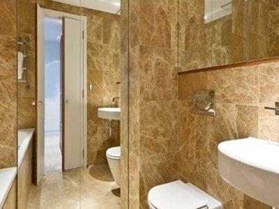 Đá vàng ốp phòng tắm