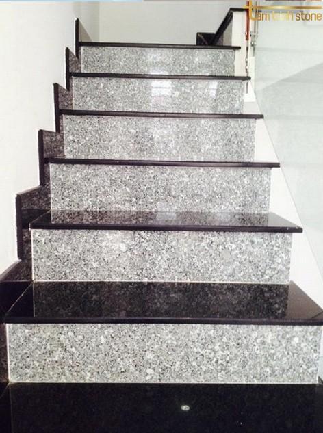 Đá ốp cầu thang PB11