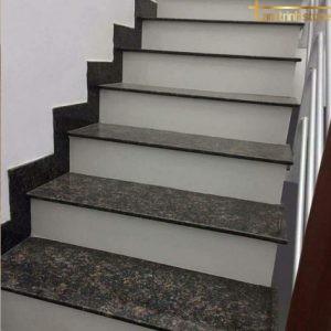 Đá ốp cầu thang PB24