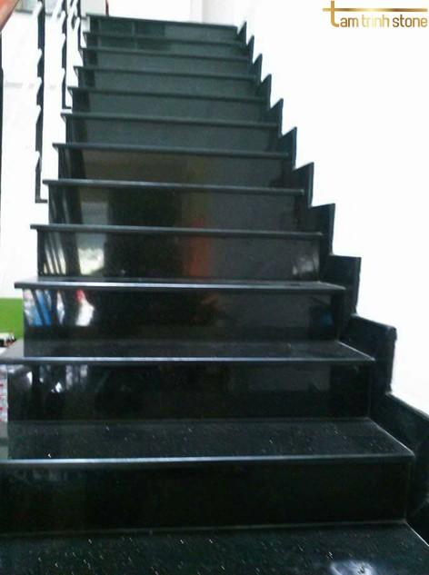 Đá ốp cầu thang PB07