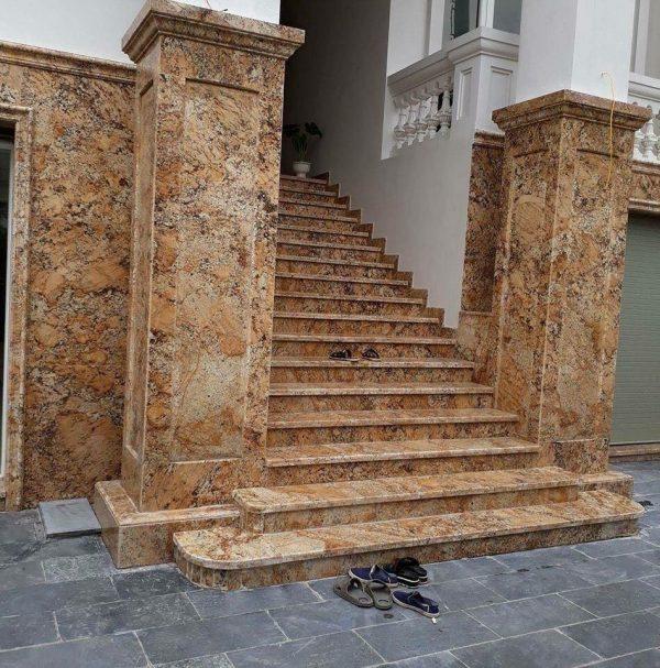 Ứng dụng đá vàng brazil ốp cầu thang