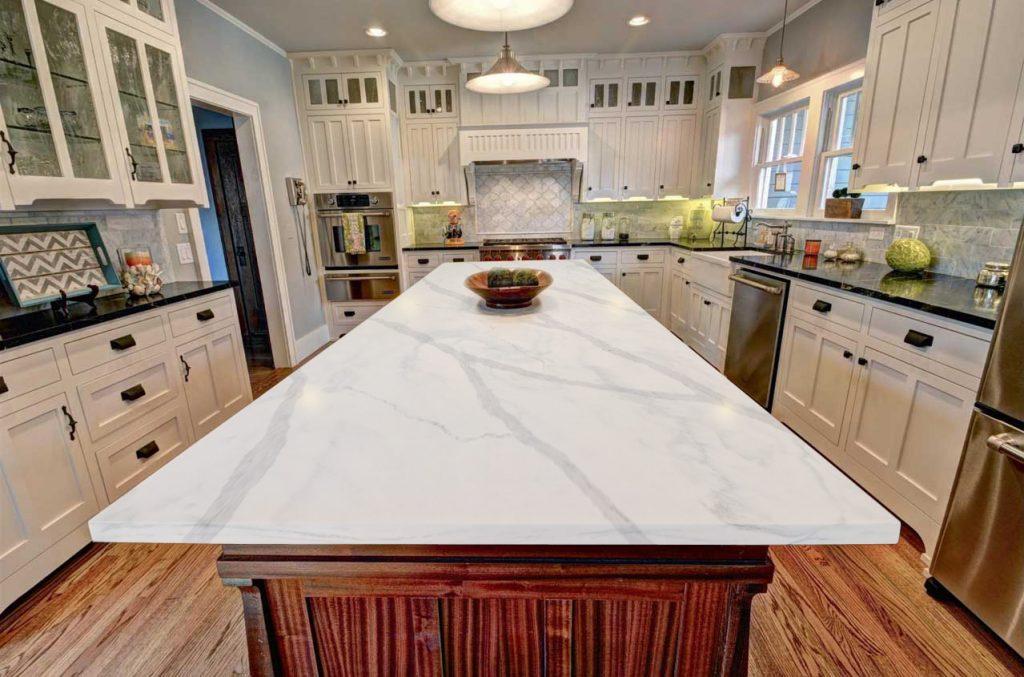 Đá nhân tạo gốc thạch anh sử dụng cho không gian bếp