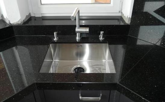 Đá hoa cương sử dụng cho không gian bếp