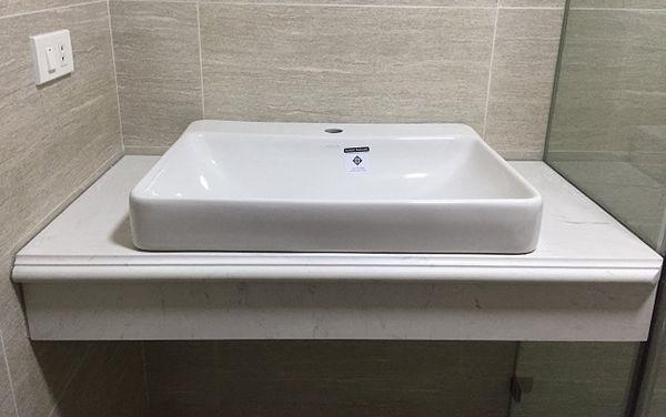 Đá bàn lavabo trắng