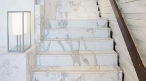 Lưu ý sử dụng đá ốp cầu thang